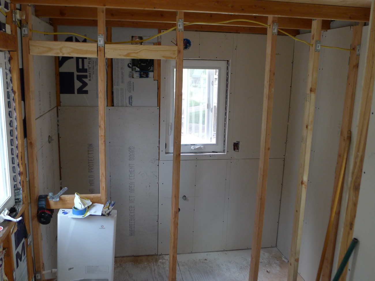 What sheetrock to use in bathroom what sheetrock to use in for Drywall or cement board for shower
